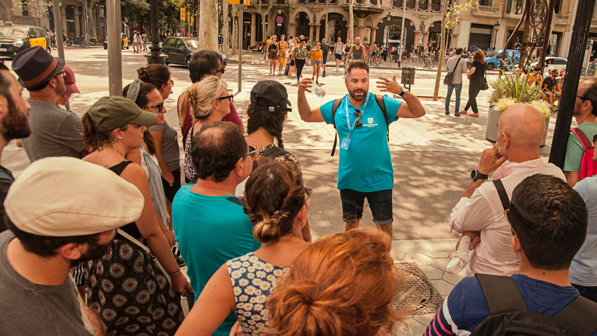 Free Gaudi tour of Barcelona by HostelCulture