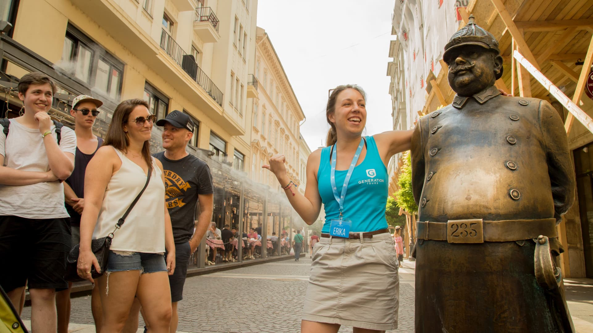 Group and guide while Free Tour of Budapest