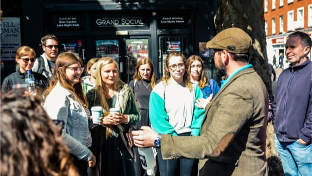 Group meets their Dublin tour guide