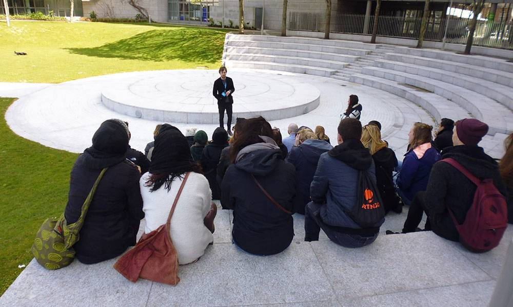 Guide and group of free Dublin tour