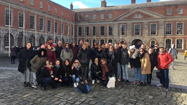 Group and guide of Dublin walking tour
