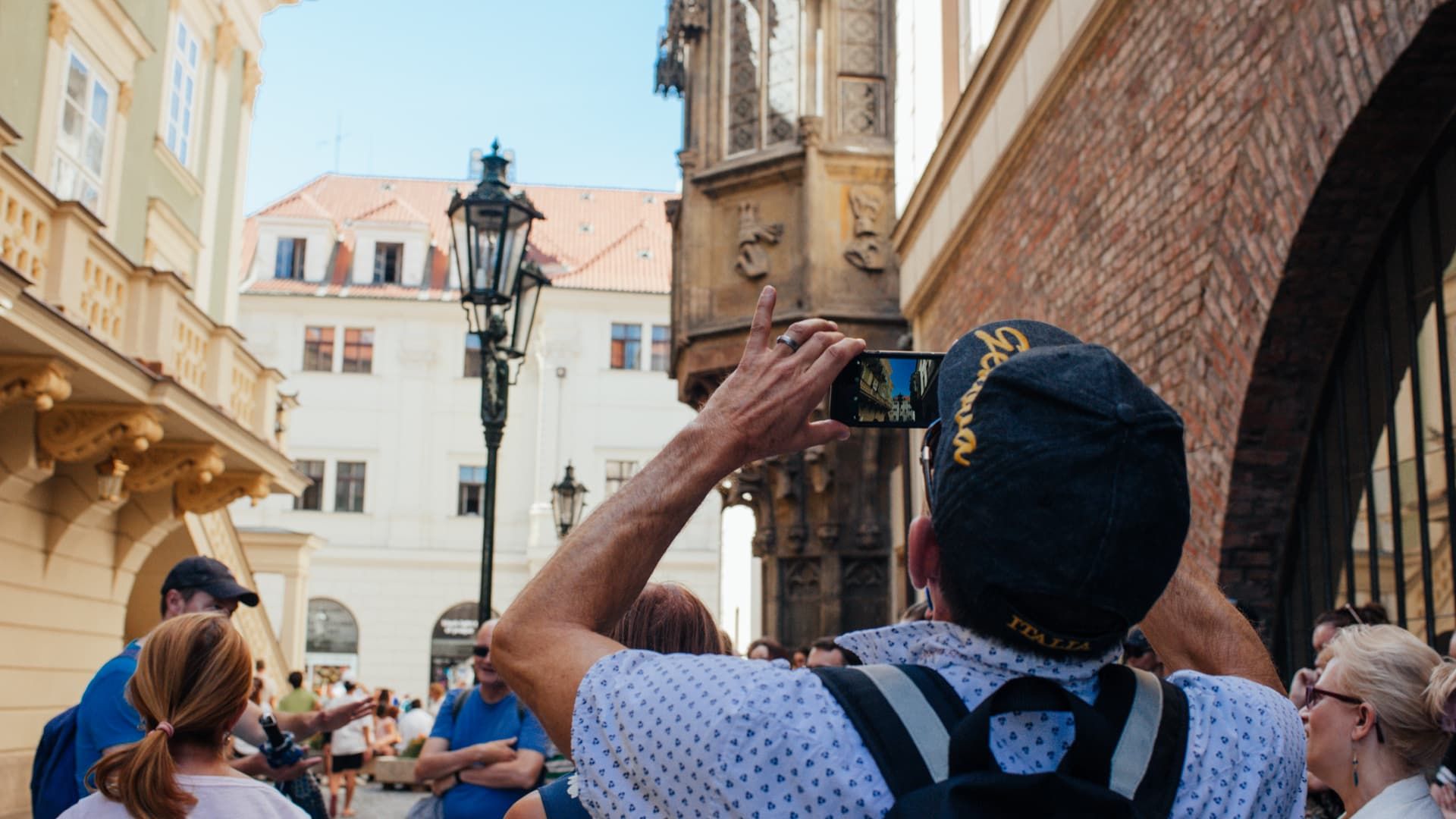 Free Prague old town tour activity